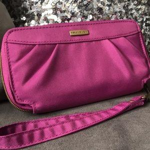 Travelon | fuschia pink RFID wallet